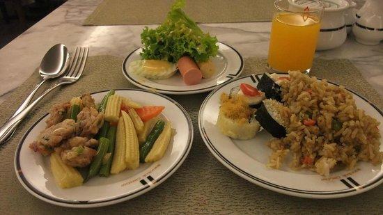 Bangkok Centre Hotel: 朝食のバイキング
