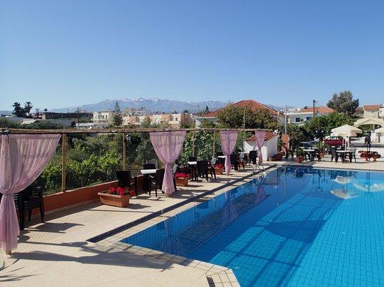 Hotel Jechrina: Pool
