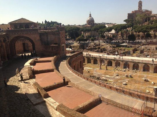 Mercati di Traiano - Museo dei Fori Imperiali: View from the top of the Museo over the city 1