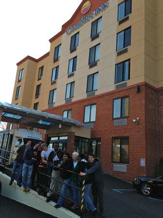 Comfort Inn Staten Island: The Queens HS H4H Club April 2014