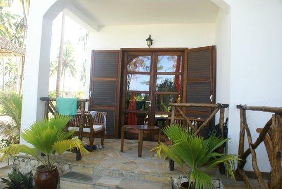 Next Paradise Boutique Resort: Our room - balcony/varanda