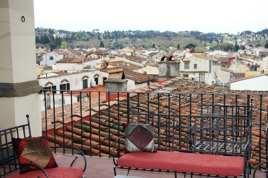 Palazzo Magnani Feroni : roof tops in Florence