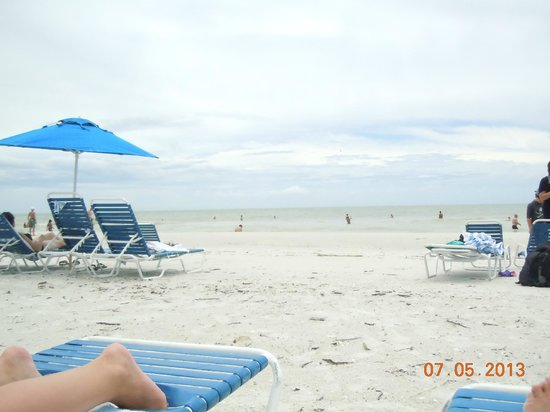 JW Marriott Marco Island: pretty, spacious beach