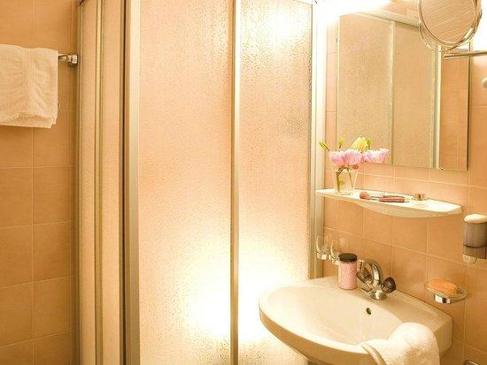 Duschkabine im Hotel Bierwirt