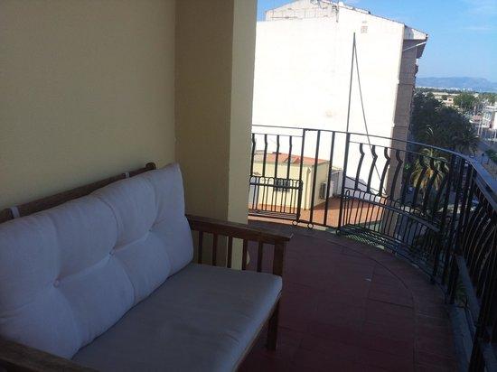 NH Castellon Turcosa : Una gran terraza