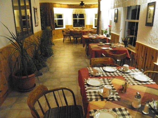 Indian Point Motel: Breakfast Room