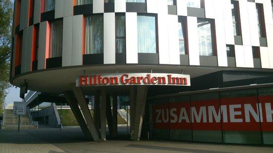 Hilton Garden Inn Stuttgart NeckarPark : Ingresso Hotel