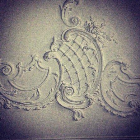 B&B Piazza Italia : stucchi dei soffitti