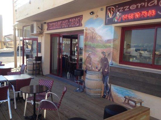 Restaurant le Bacchus des Karantes: ���� la terrasse face a la mer����