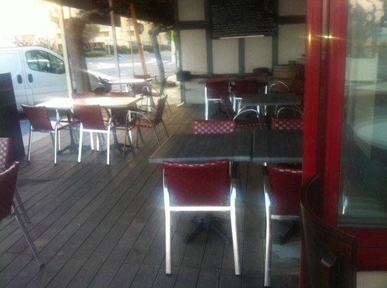Bacchus des Karantes: La terrasse restauration du Bacchus