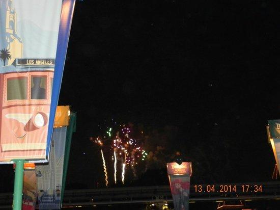 Clarion Hotel Anaheim Resort: Fireworks at Disneyland