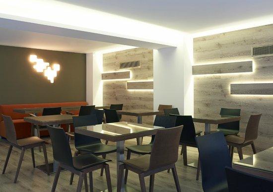 BEST WESTERN Amazon Hotel: Breakfast room