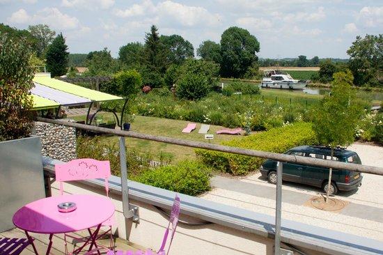 Terre De Loire : Vue chambre sur canal