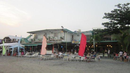 Johan's Beach Resort : hotel grounds