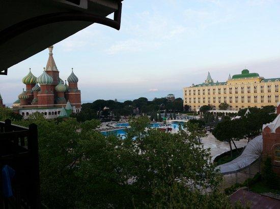 WOW Topkapi Palace: Balkonsicht zum Schwesterhotel WOW Kremlin