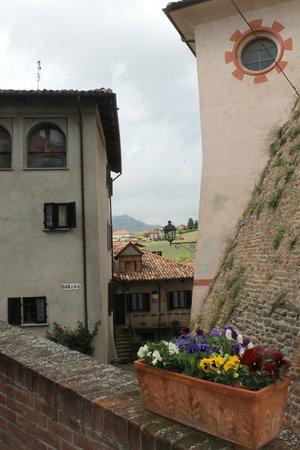 Agriturismo Il Gioco Dell'Oca : Streets of Barolo