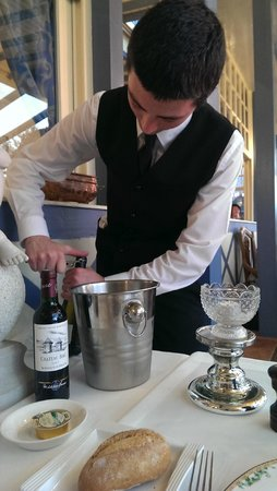 Hotel Restaurant Le Bellevue : Un petit coup de Blanc et Rouge