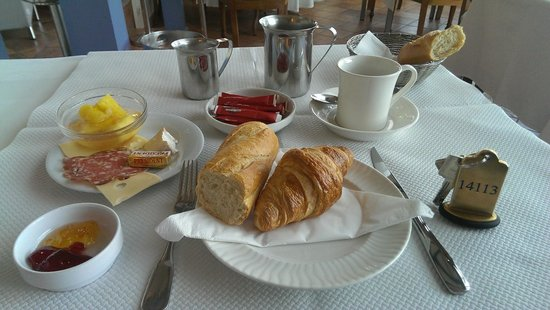 Hotel Restaurant Le Bellevue: Decent breakfast