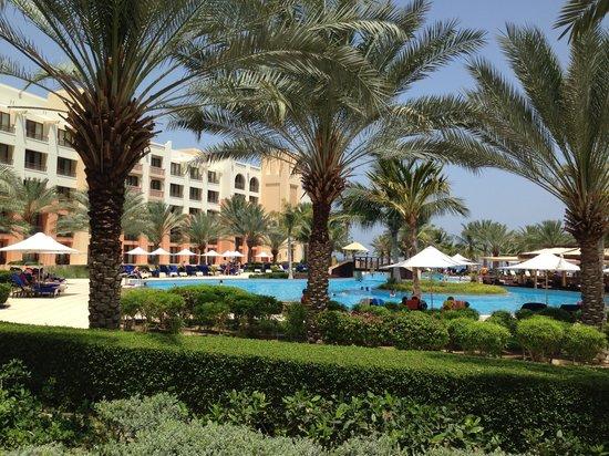 Shangri La Barr Al Jissah Resort & Spa-Al Husn: A sun lounger view