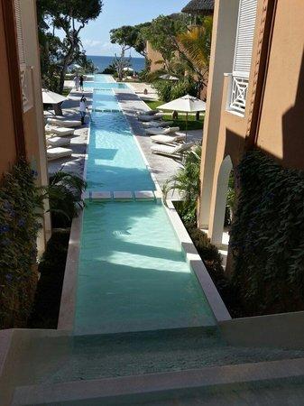 Medina Palms: The unending pool breath taking