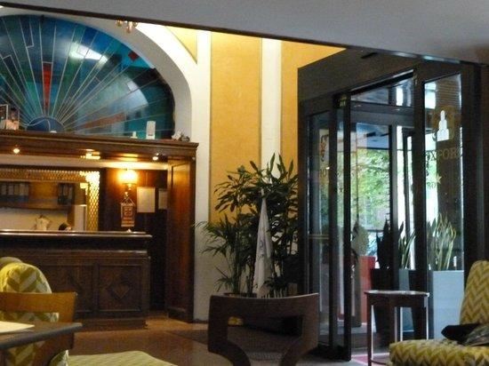 Hotel Oxford: internal foyer