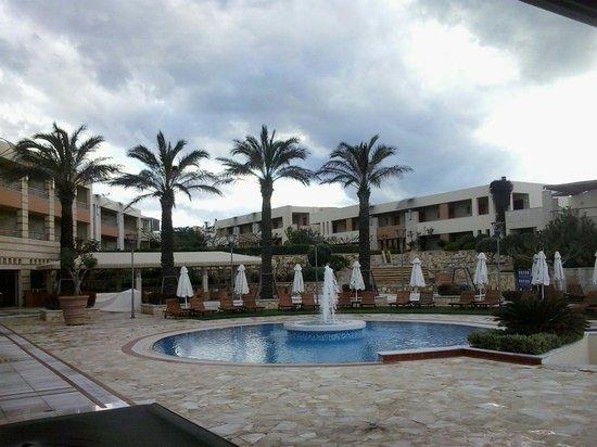 Cretan Dream Royal: Children pool,palm trees