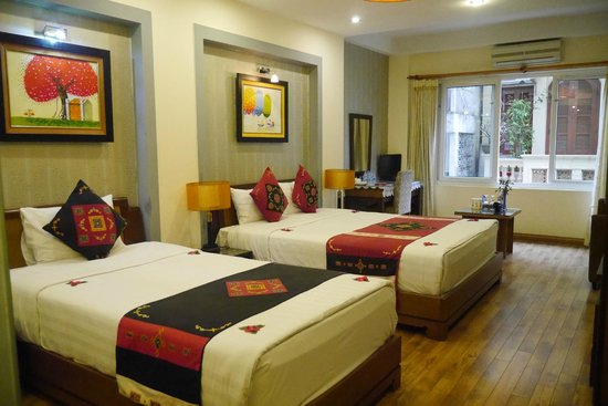 Splendid Star Grand Hotel: Free upgrade to big room