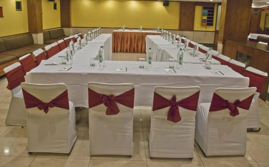 Hotel Swati Deluxe: Conference Hall