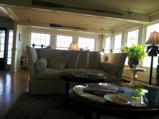 The Beach House: Great lounging