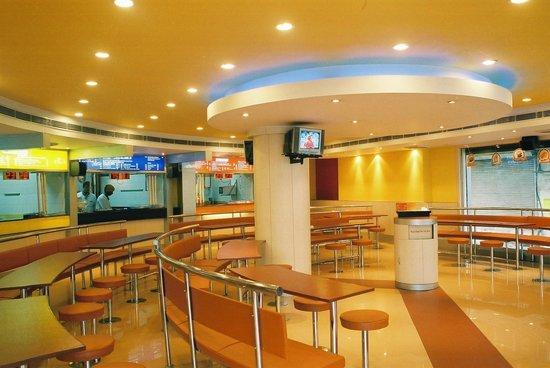 Hotel Swati Deluxe: Restaurant