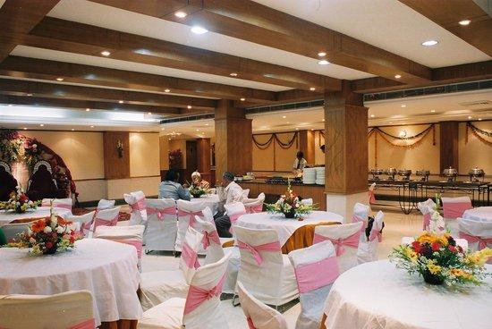 Hotel Swati Deluxe: Banquet Hall