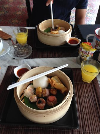 The Memory at On On Hotel: breakfast set Dim Sum