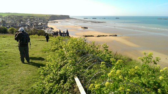 Arromanches 360 : view towards Arromanches from outside 360
