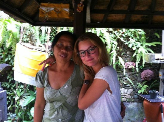 "Sandat Bali : :-) ""mama"""
