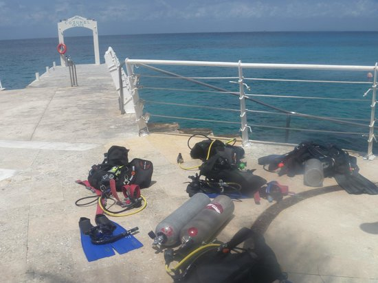 Cozumel Palace: Scuba check out dive location