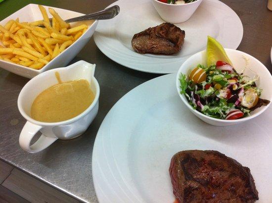 De Foyer : Steak met frietjes.
