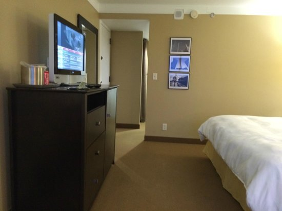Radisson Hotel Fargo: tv
