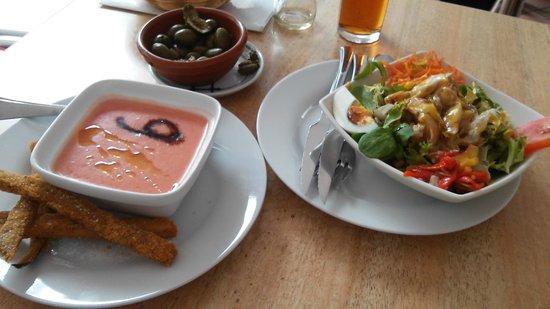 Sagasta 9 : Salmorejo y ensalada