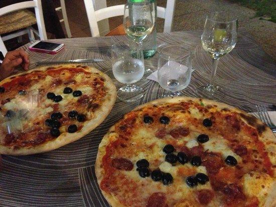 Ristorante Pizzeria Da Max: Pizza Sarda