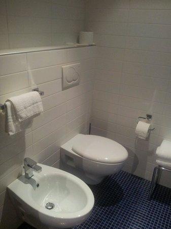 Hotel Romanda: Bagno