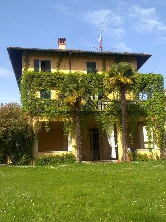 La Villa del Lago : la villa