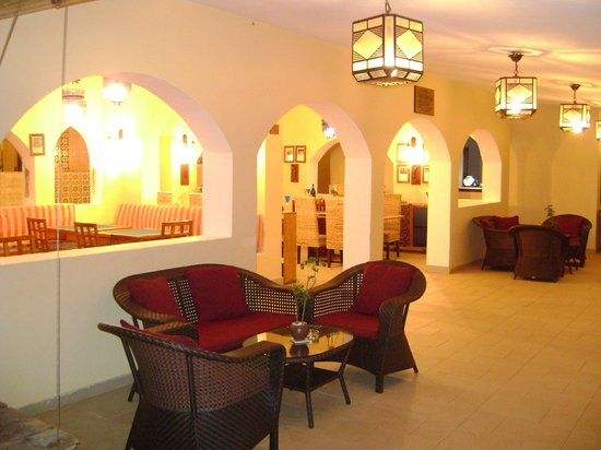 Dream of Zanzibar: Games room