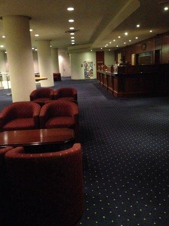 Kings Perth Hotel : Foyer