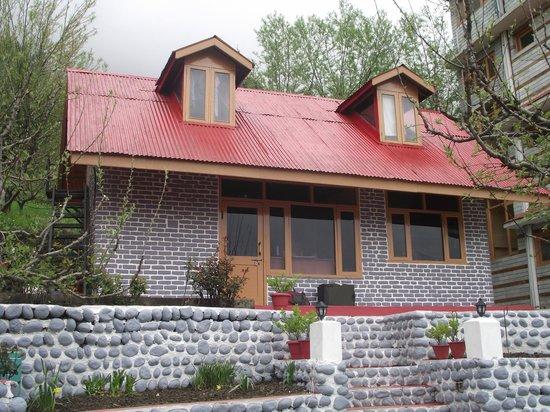 Naina Resort & Cottages : Kitchen