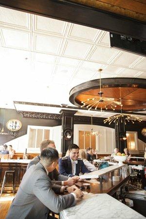 Hotel Ballard: In the bar