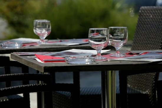 Inter-Hotel Les Bruyeres Hotel: TABLE DE RESTAURANT