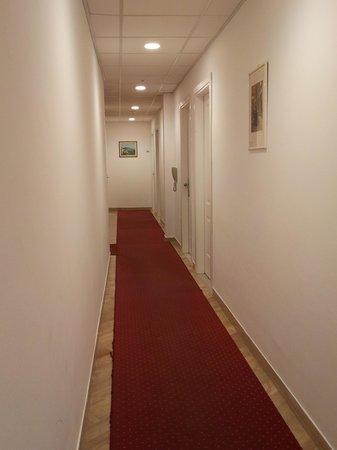 Hotel West End: Corridoio