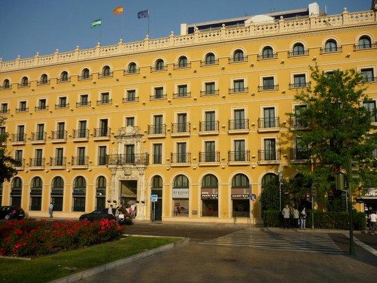 Hotel Tryp Macarena in Seville