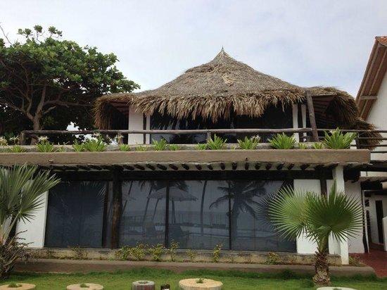 IKIN Margarita Hotel & Spa: Vista de la habitación estando en la piscina