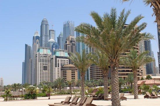 The Ritz-Carlton, Dubai: BLICK VON DER ANLAGE AUS